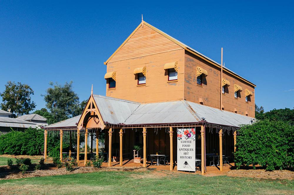 Blackall - The Lodge on Hawthorne