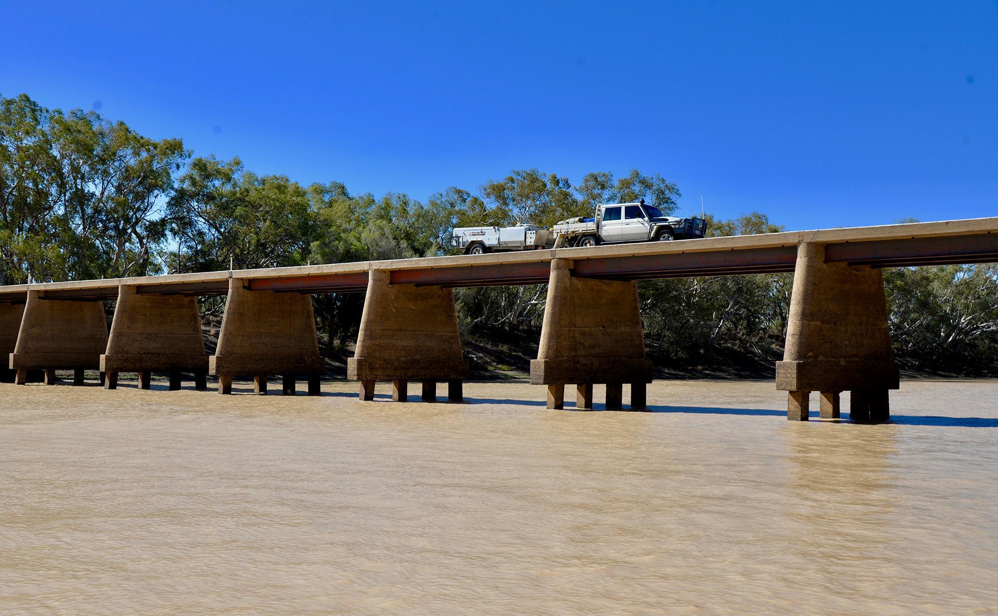 Helen - Windorah - bridge crossing
