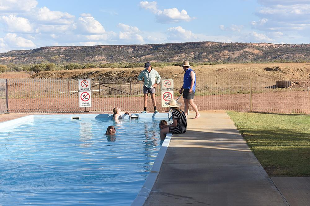 Yaraka - Swimming Pool
